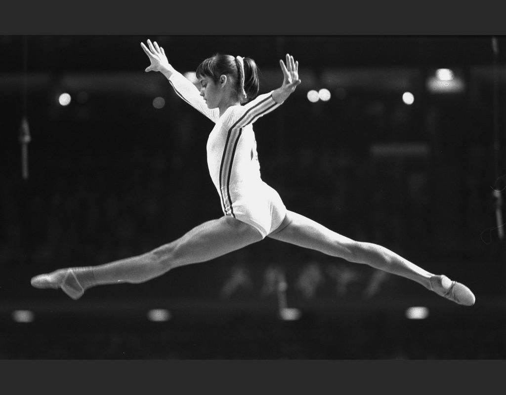 Nadia Comaneci, (1961), Rumänien, gymnastik. Första gymnast att få poängen 10,0 i ett OS, 1976. Upprepades sedan sex gånger. Tre OS-guld 1976, två OS-guld 1980.