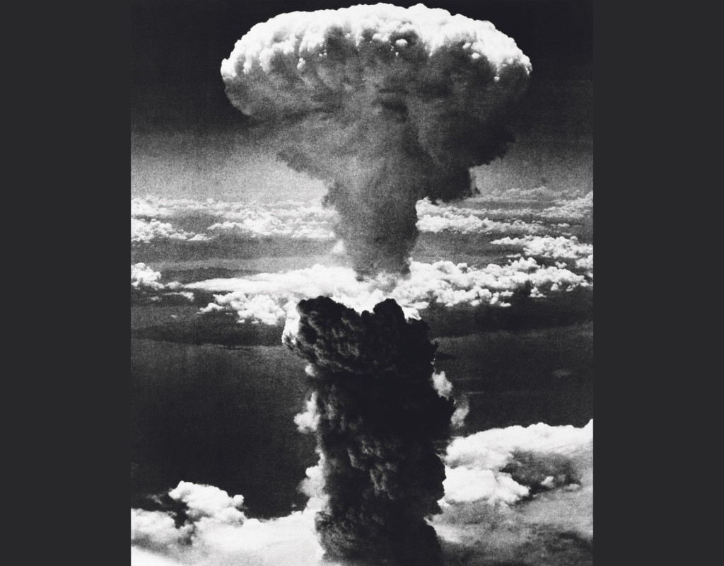 Den 9 augusti 1945 är en dag världen inte glömmer - då fällde USA en atombomb i Nagasaki, Japan. Bomben fälls klockan 11.00. 60 000–80 000 invånare omkommer och cirka 20 000 skadas direkt. Foto: AP TT NYHETSBYRÅ