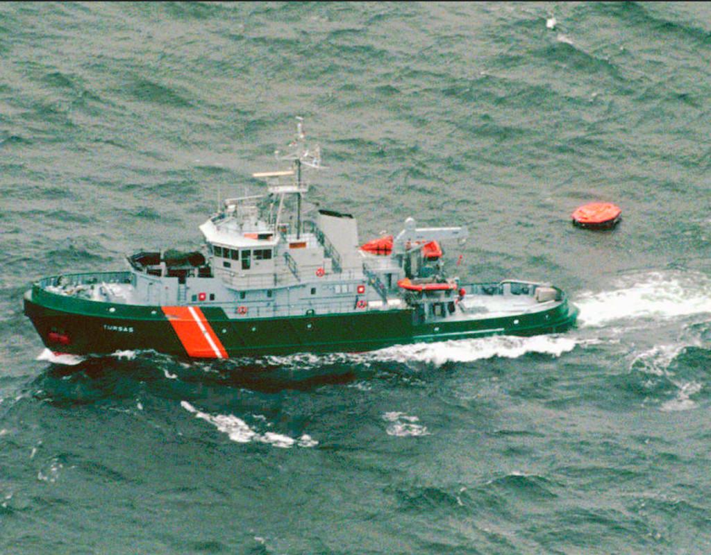 852 människor dog när MS Estonia sjönk på Östersjön, den 28 september 1994. Här letar finska kustbevakningsfartyg efter överlevande. Fotograf: AP