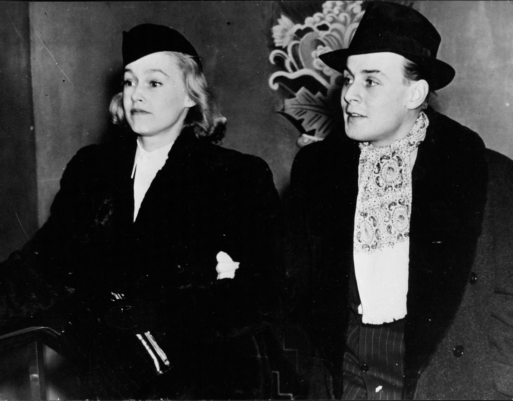 Hasse Ekman, regissör med sin fru Agneta Wrangel.