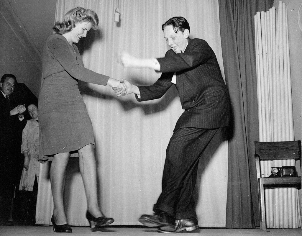 Nöjespalatset nummer ett var Nalen i Stockholm, och dansen som gällde 1944 var jitterbug. Foto: AFTONBLADET