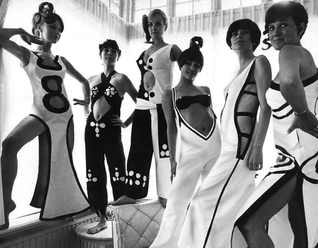 Modeller visar OP-mönstrade kläder i svart/vitt